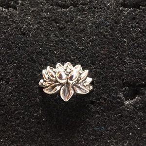 Welman Jewelry - Lotus ring